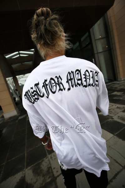 ByTheR Slogan Letter Embossed T-shirts