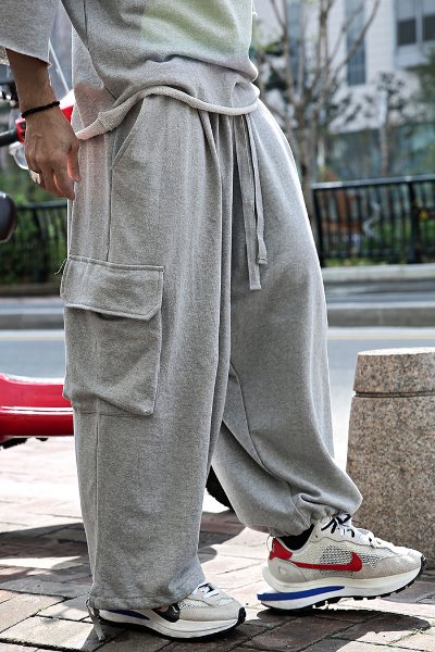 Strap training wide cargo pants